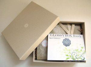Glossy Box / source photo : hellcandy.com