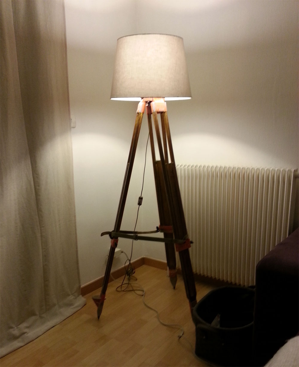 diy lampadaire pied de g om tre miss ambre. Black Bedroom Furniture Sets. Home Design Ideas