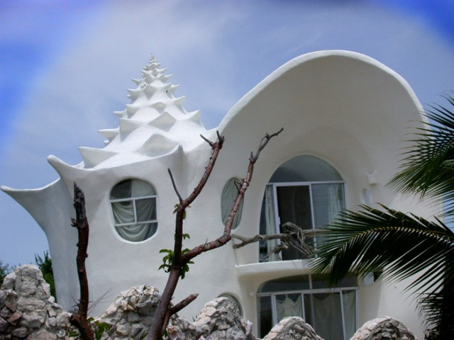 Conch-Shell-House-640x480