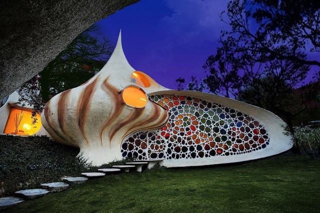 Conch-Shell-House-Mexico-640x426