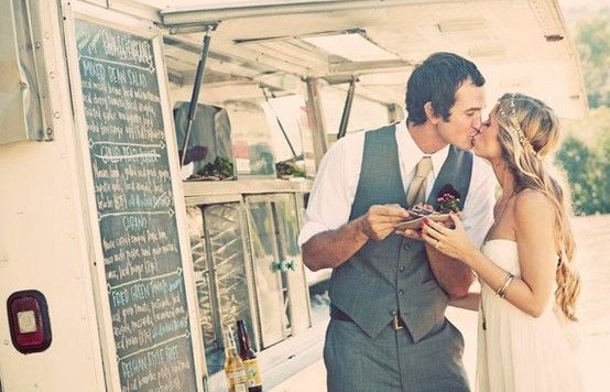 http://www.queenforaday.fr/blog-mariage/bonnes-idees-mariage/food-truck/
