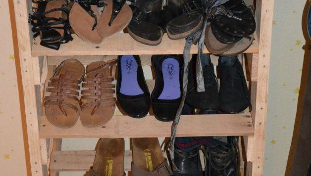 comment r aliser une armoire a chaussure avec des palettes. Black Bedroom Furniture Sets. Home Design Ideas