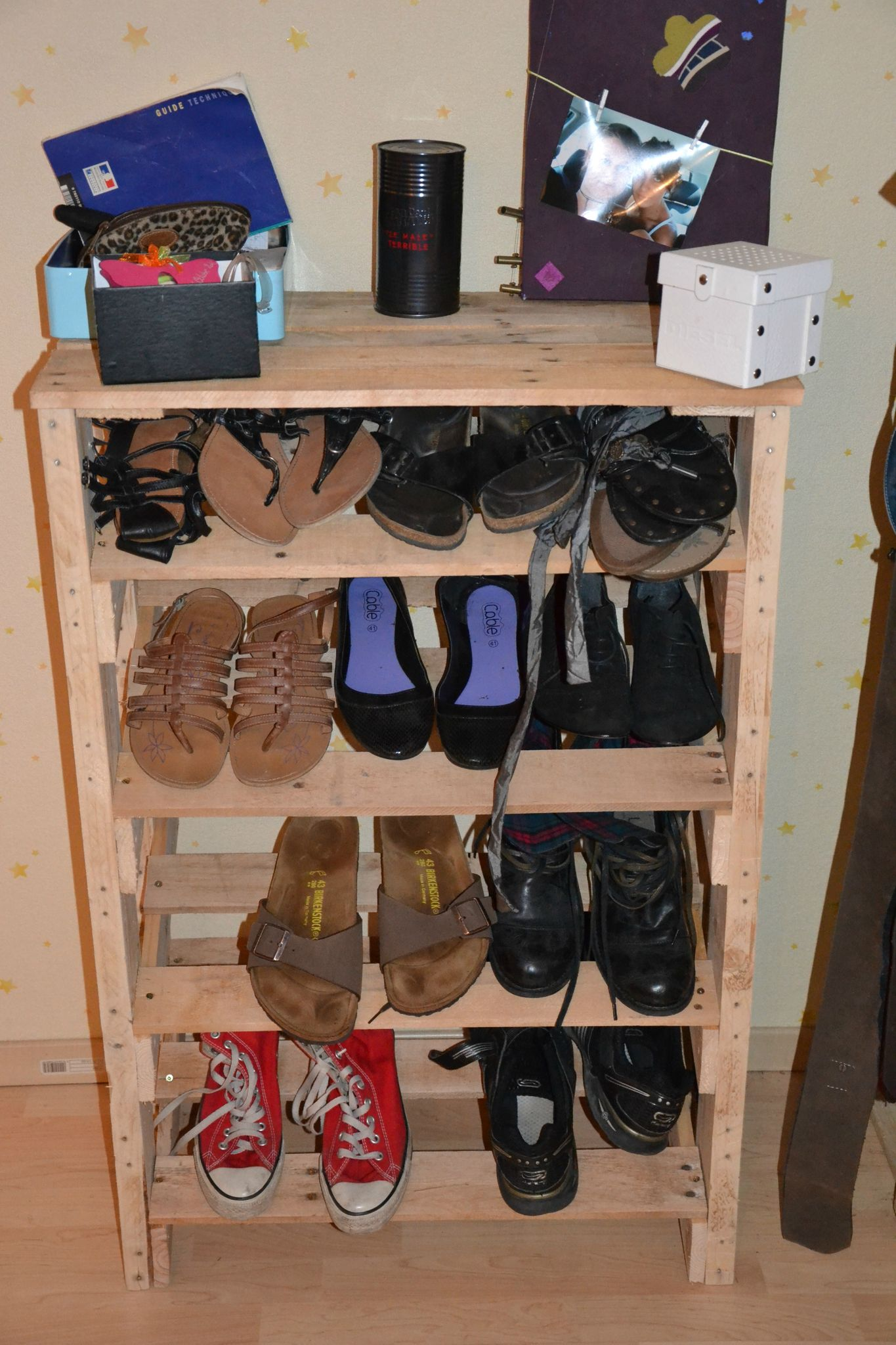 comment ranger les chaussures de bricolages pour ranger vos chaussures fabriquer rangement. Black Bedroom Furniture Sets. Home Design Ideas